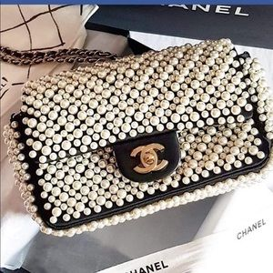 LOOKING FOR CHANEL PURSE.